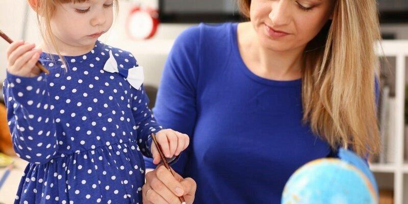 Cartable et Pyjama : pour trouver la nounou qu'il vous faut partout en France !